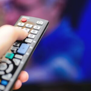4 Simple Ways to Watch TV in an RV