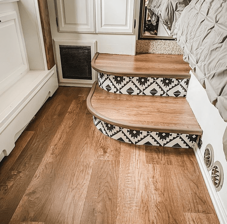 Stair risers with tile