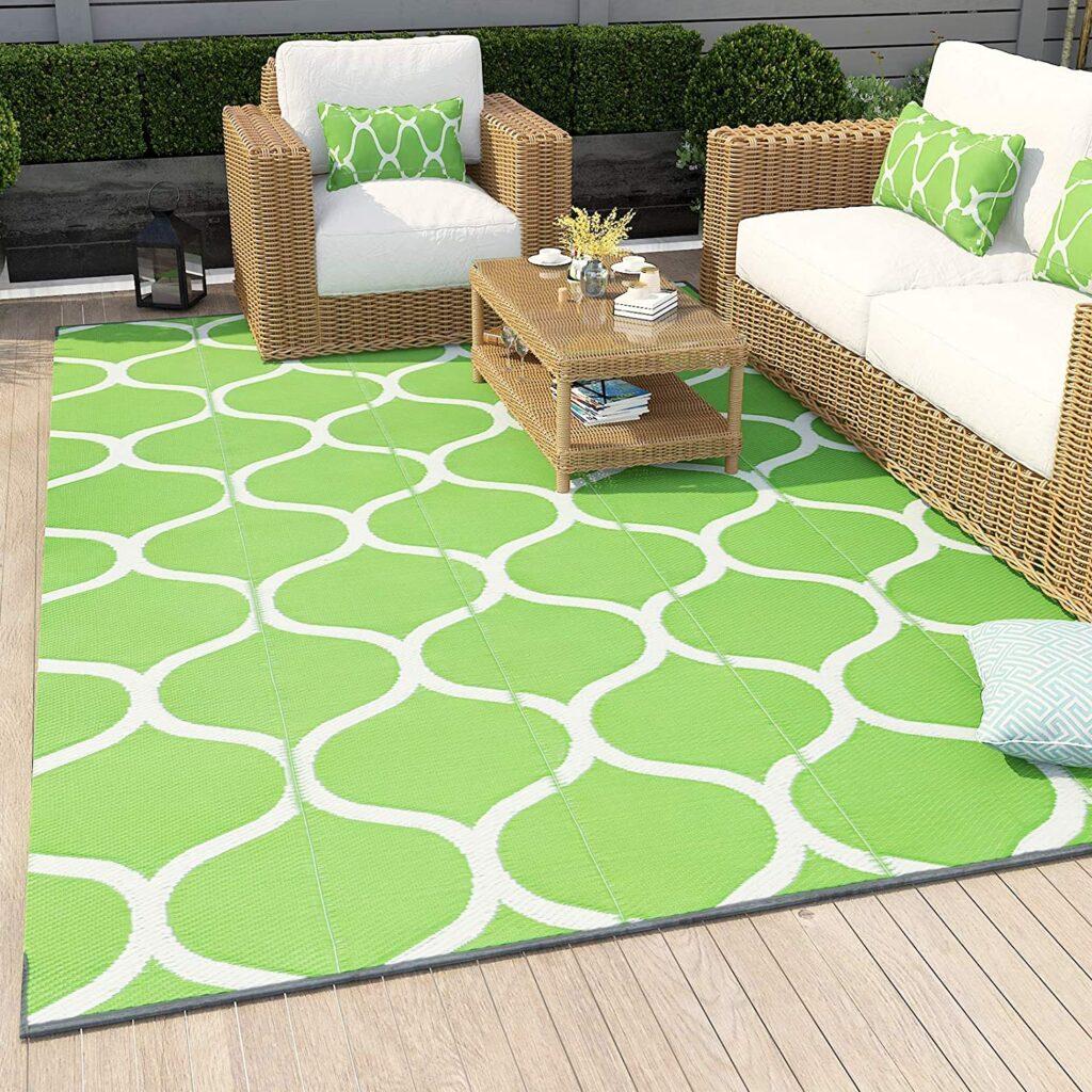 Campsite decorating ideas: rug