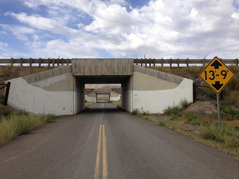 Low Clearance Bridge : How Tall is an RV