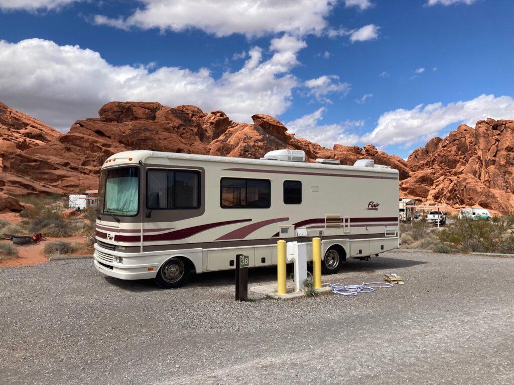 RVezy vs Outdoorsy: Motorhome rental